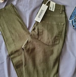 Aphrodite Fashion Nova Torn Jeans